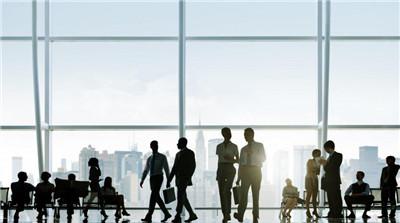 如何在比较较为比较有限的时间里迅速提升本身在职场环境中的竞争力?