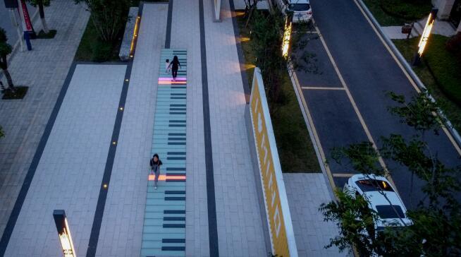 园林景观亮化工程——点亮生活!也是现代城市照明基本建设的新要求。