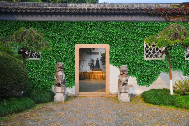 小编带大家了解一下陕西省仿真植物墙的几个益处吧