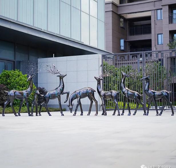 园林景观雕塑摆放要注意什么?怎样可以使它更加更具艺术美?