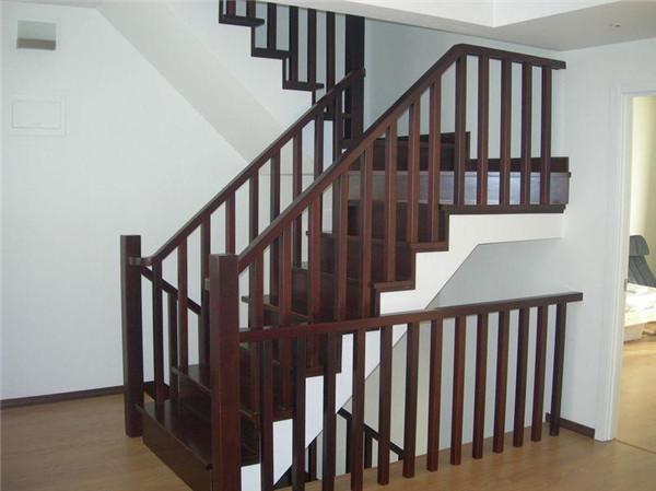 选装楼梯有什么特性,定制的情况下尽量注意什么?