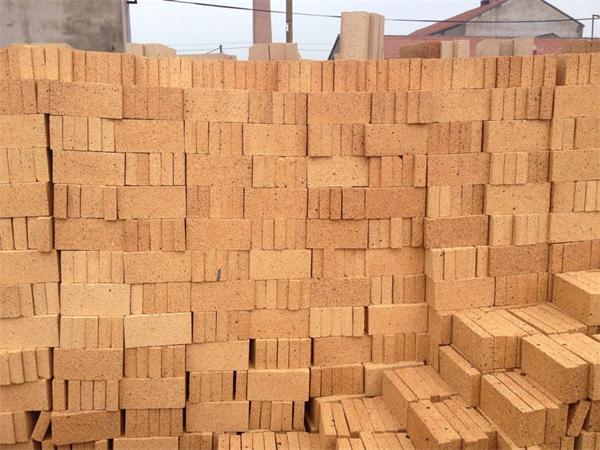 浅谈耐火砖的成型方法及常用的难题