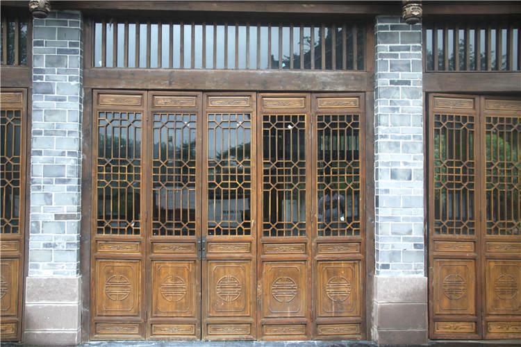 大家知道铝合金仿古门窗实用吗