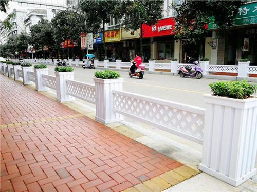 绿化花箱护栏的特点与优点您知道吗?