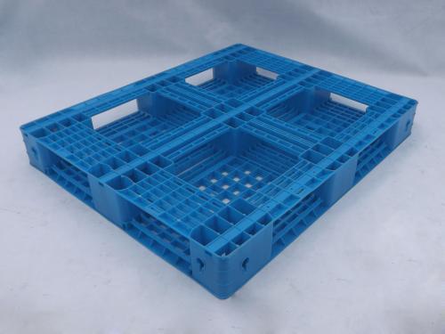冷库仓储货架用哪样塑料托盘比较好?
