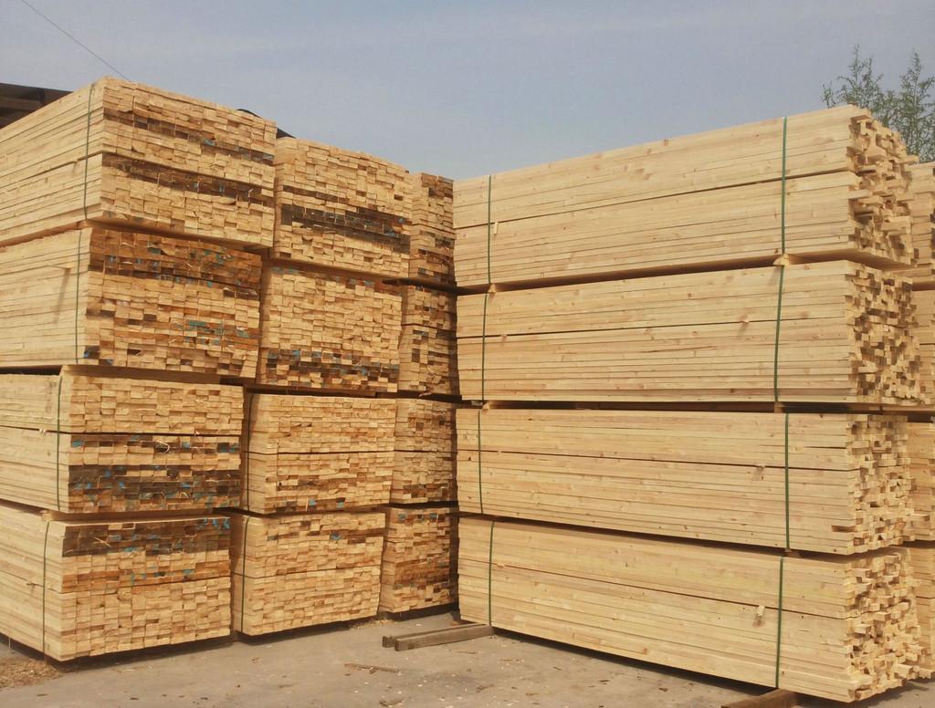 下列四点帮您迅速的判断建筑木方的好坏