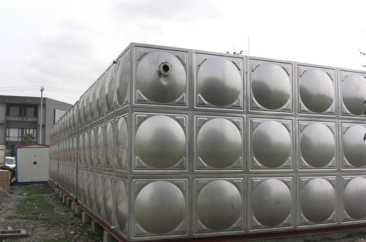 影响陕西不锈钢水箱的价格和清洗方式
