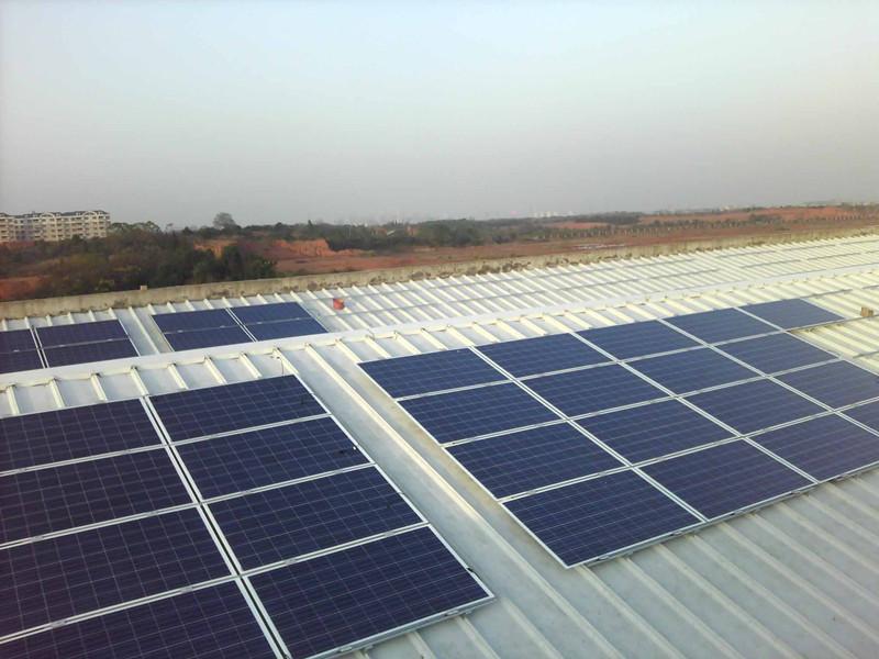 冬天怎样更强的维护太阳能发电系统