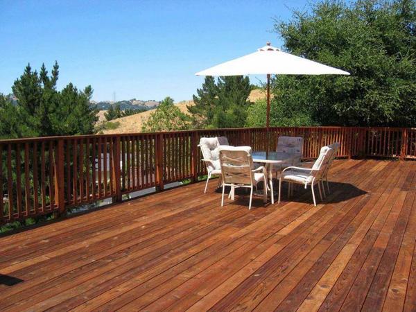 防腐木是目前新式环保材料及家具的好选择。