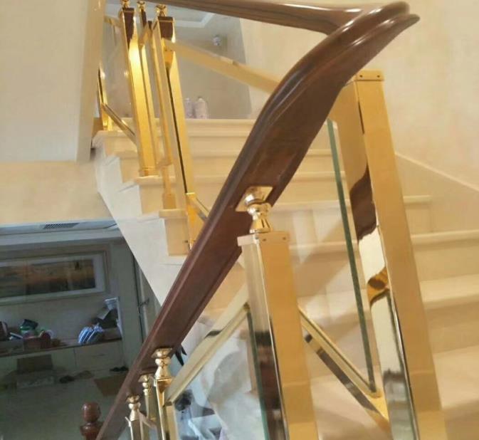小编向你讲解夹层玻璃楼梯扶手制做与安裝手法?