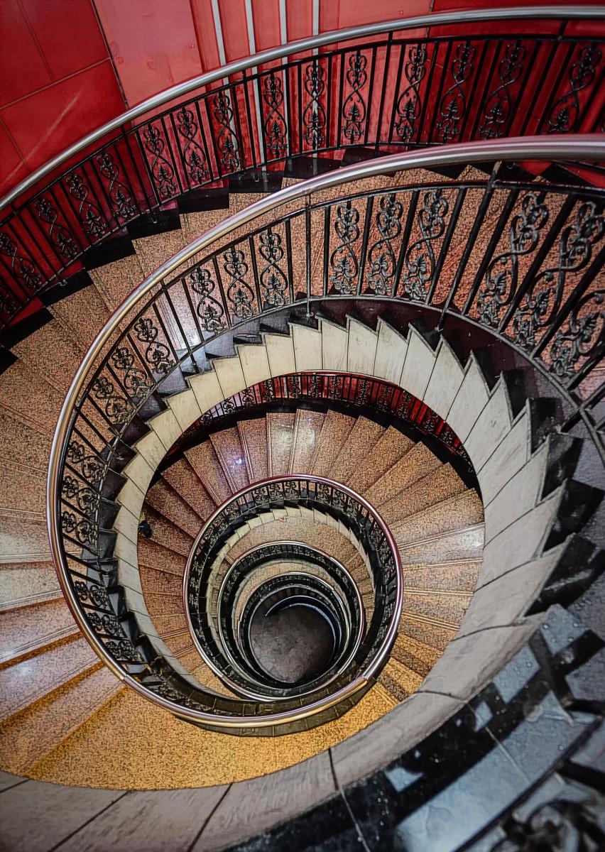 旋转楼梯如何?设计技巧及注意事项呢?