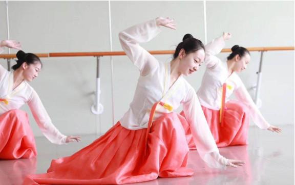 中國舞之美,美到**
