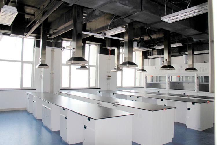 在给高校实验室设计以前,必须预见并细心评估的因素都有哪些?