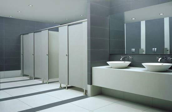 如何挑选比较好的隔断板材,抗倍特卫生间隔断板的特性