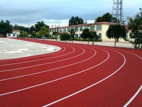 运动场为何选择塑胶跑道?各种各样塑胶跑道有什么区别?