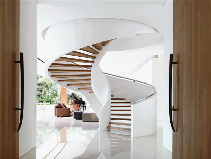 扭转楼梯的布局特点和它的美在那里