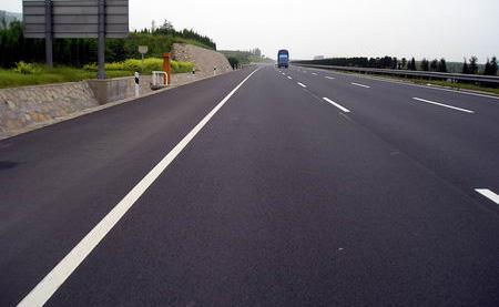 瀝青路面施工中關鍵會解決那麼難題?大家的防治措施有哪些?