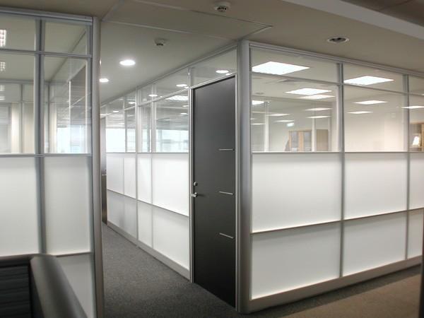 办公隔断的保养注意事项,让办公室隔断依然如新