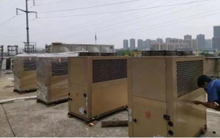 """小编向你解读空气能采暖设备安装的""""规矩""""你知道需要多少钱?"""