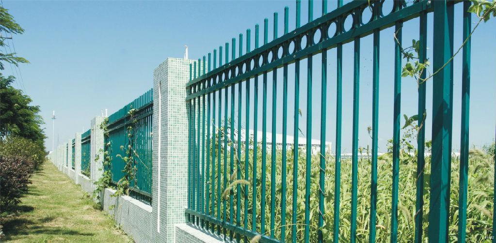道路护栏网的特点优势和结构尺寸