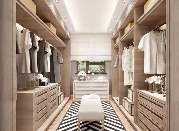 木工打衣柜、全铝衣柜选哪种好?定做全铝衣柜要注意哪些?