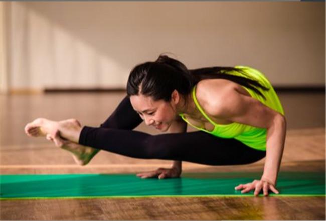 坚持不懈做瑜伽对女生的益处有哪些?
