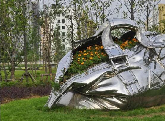 小编带你掌握有关不锈钢雕塑在当代园林中的价值