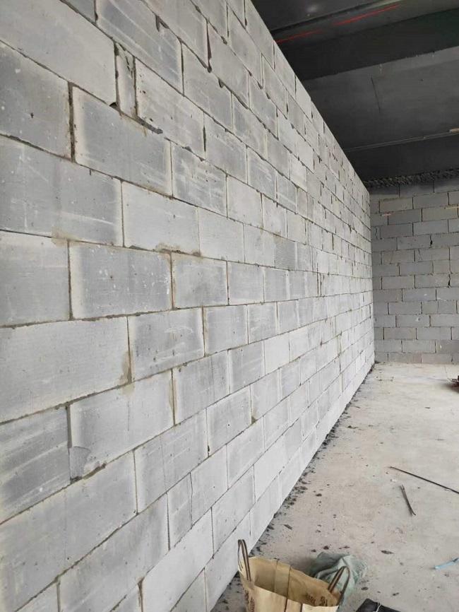 影响轻质隔墙板质量和安装的因素及应用时的规定分享