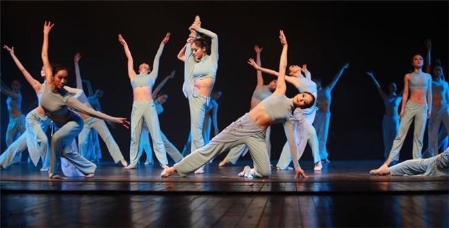 有一个舞蹈系的女朋友是怎样一种体验?
